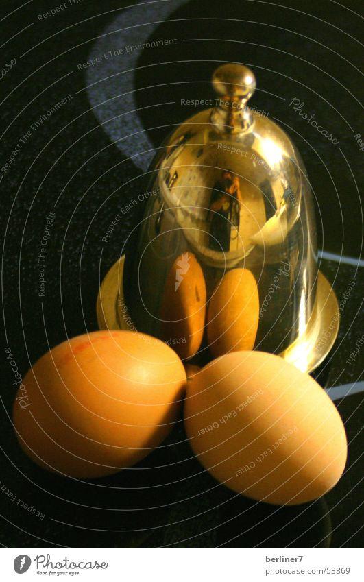 nimm ein Ei mehr... Eierbecher Frühstück schwarz Reflexion & Spiegelung Salz frühstücksei silber