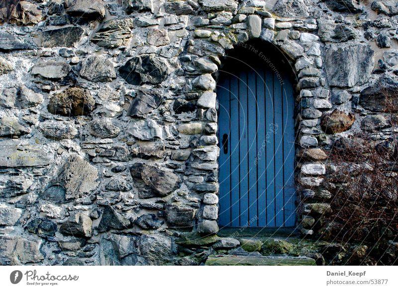Katzenlieselesturm blau Stein Mauer Tür geschlossen Turm Tor Eingang Torbogen Naturstein Ravensburg