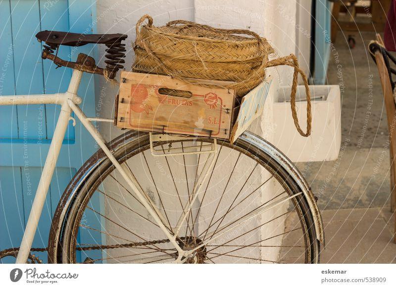 Fahrrad Ferien & Urlaub & Reisen alt blau weiß Straße natürlich Lifestyle Verkehr Idylle authentisch ästhetisch Lebensfreude einfach Fahrradfahren retro
