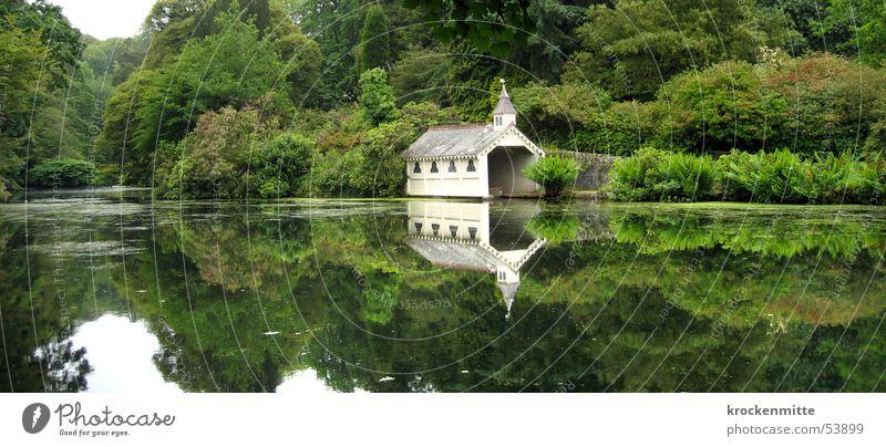gepilchert Natur Wasser Baum grün ruhig Wald Erholung See Park groß Romantik England Panorama (Bildformat) einzeln Pflanze Bootshaus
