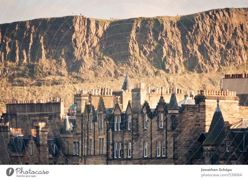 Edinburgh X Schottland Großbritannien Stadt Hauptstadt Altstadt Skyline bevölkert Haus Bauwerk Gebäude Architektur Dach Schornstein Englisch alt historisch