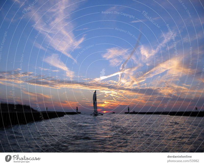 Lake Michigan Amerika Chicago Nordamerika Kanada See Wellen stark Kraft Sonnenuntergang Romantik Meer Wasserfahrzeug Katamaran ruhig Gelassenheit ungestört