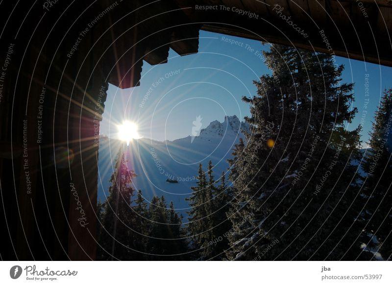 Good Morning! schön Himmel Sonne Winter Haus kalt Schnee Berge u. Gebirge Holz Beleuchtung Tanne Hütte Wintertag