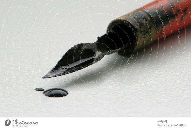 Tintenklecks Hand alt schön schwarz Farbe Linie Kunst dreckig nass liegen Schriftzeichen Feder Buchstaben schreiben Spitze Flüssigkeit