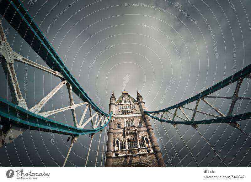 Tower Bridge -1- Himmel Ferien & Urlaub & Reisen alt Stadt Wolken Stein Metall Wetter authentisch Tourismus Brücke historisch hängen Stadtzentrum Hauptstadt