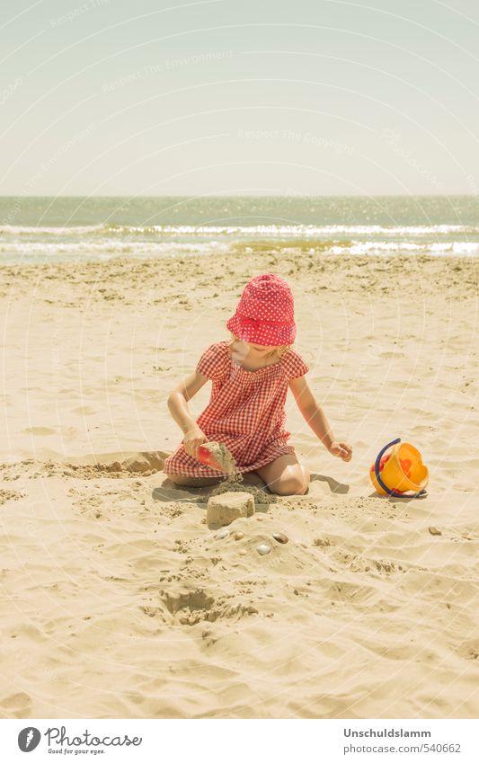 Schönste Zeit Mensch Kind Natur Ferien & Urlaub & Reisen Sommer Sonne Meer Erholung Mädchen Freude Strand Leben Spielen hell Idylle Zufriedenheit