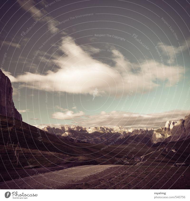 Ab ins Tal Natur Ferien & Urlaub & Reisen Sommer Landschaft Ferne Umwelt Berge u. Gebirge Freiheit Felsen Tourismus wandern Ausflug Abenteuer Gipfel Fahrradtour
