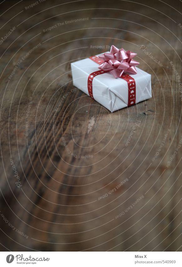 eins Weihnachten & Advent Gefühle Holz Stimmung Geburtstag Geschenk Reichtum Vorfreude Verpackung Holztisch Valentinstag Schleife schenken Weihnachtsdekoration