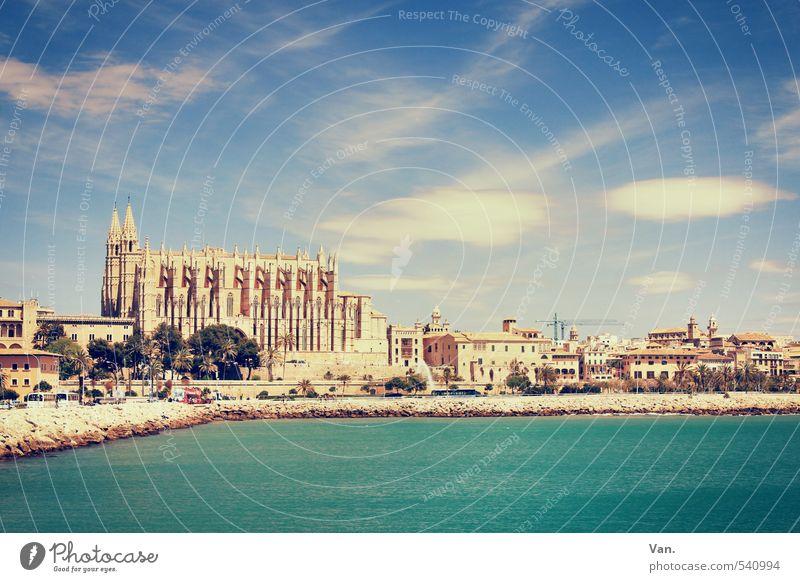 La Seu Ferien & Urlaub & Reisen Tourismus Sightseeing Sommerurlaub Wasser Himmel Wolken Küste Bucht Meer Palma de Mallorca Stadt Hauptstadt Haus Kirche Dom