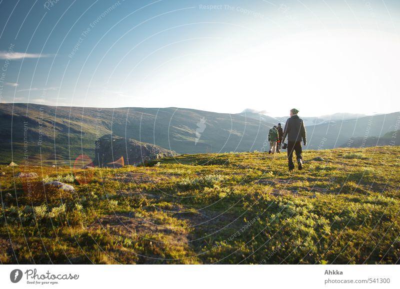 nowhere Mensch Ferien & Urlaub & Reisen Erholung Landschaft Ferne Berge u. Gebirge Leben Wiese Wege & Pfade Freiheit Stimmung Freizeit & Hobby Idylle wandern