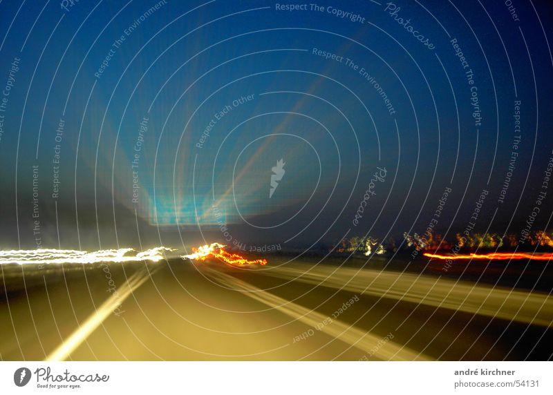 nachtfahrt Autobahn Licht Verkehr Straße Schilder & Markierungen