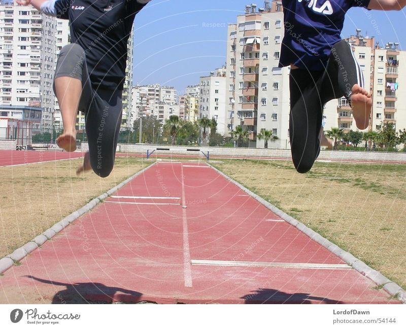 Der Sprung Sommer Sport springen Sport-Training Leichtathletik