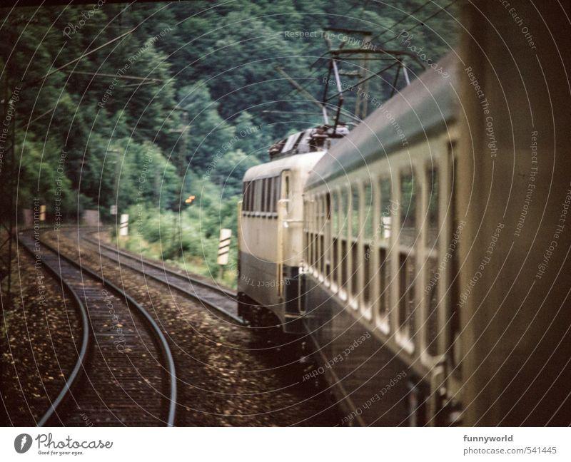 Fährt ein Zug... Ferien & Urlaub & Reisen alt Ferne Freiheit Verkehr Tourismus Ausflug Energie Eisenbahn Technik & Technologie Abenteuer retro Sehnsucht Gleise