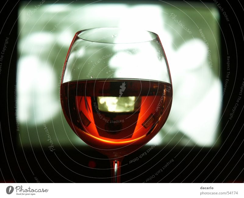 Weinglas Glas Fernseher Spiegel