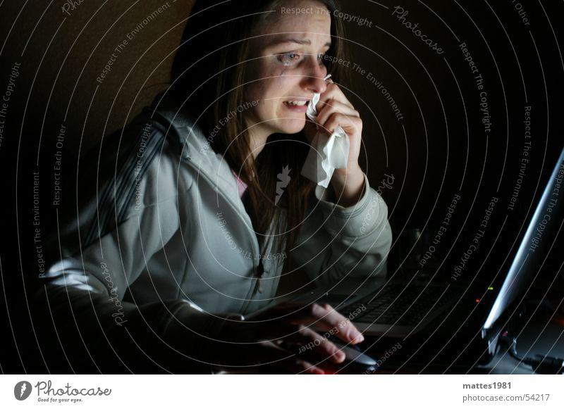 E-Mail von Photocase Computer Einsamkeit Gefühle Arbeit & Erwerbstätigkeit Angst Design Trauer Information Informationstechnologie Schmerz Notebook chaotisch