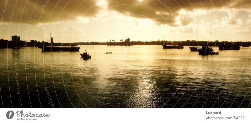 Tanzanian Sonnenuntergang Himmel Sonne Meer Wolken Wasserfahrzeug Afrika Hafen Segel Segelschiff Portwein