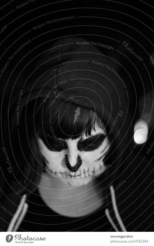 der traurige tod. feminin androgyn Junge Frau Jugendliche 1 Mensch Kunst Jugendkultur Subkultur Veranstaltung Jacke Stoff Kapuzenpullover Haare & Frisuren Pony