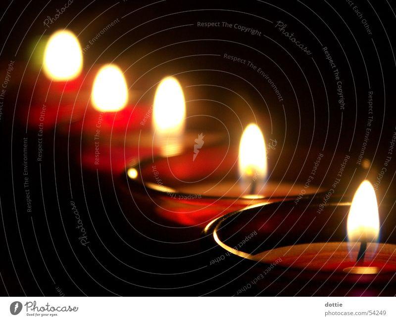 Candlelight dunkel hell Brand Kerze Romantik Teelicht