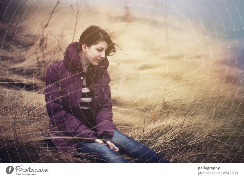 Sitting, Waiting, Wishing Mensch feminin Junge Frau Jugendliche Erwachsene Leben Körper 1 18-30 Jahre Umwelt Natur Landschaft Herbst Schönes Wetter