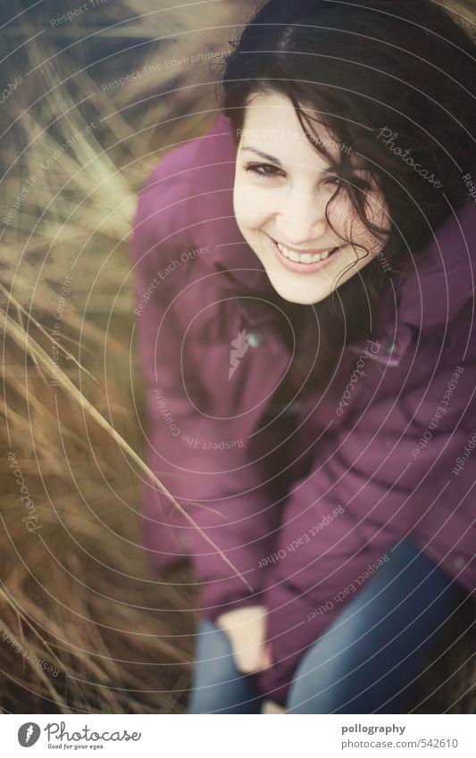Lachend in die nächste Woche Mensch Frau Natur Jugendliche schön Pflanze Junge Frau Freude 18-30 Jahre Erwachsene Leben Gefühle feminin Herbst Gras lachen