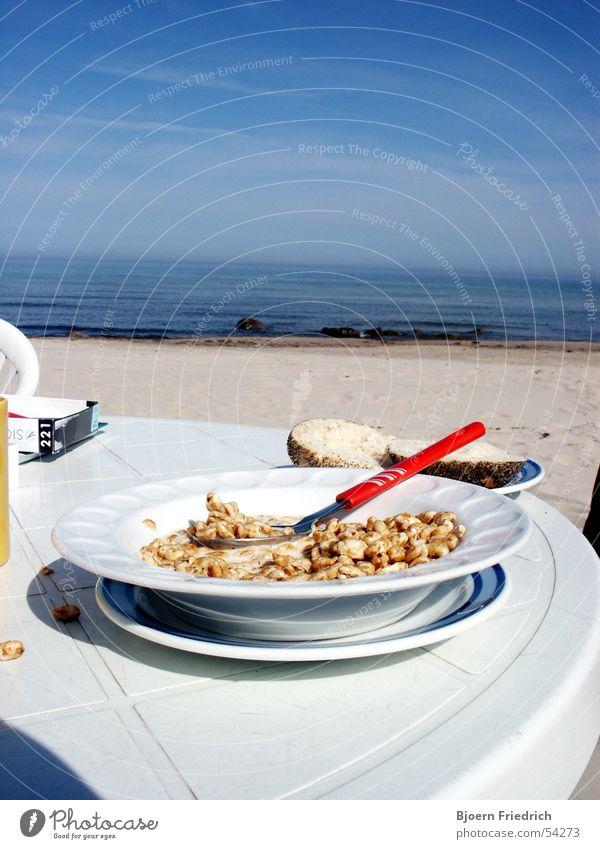 Frühstück am Meer Himmel Wasser blau weiß Ferien & Urlaub & Reisen Strand Ernährung Freiheit Sand frisch Aussicht Morgen