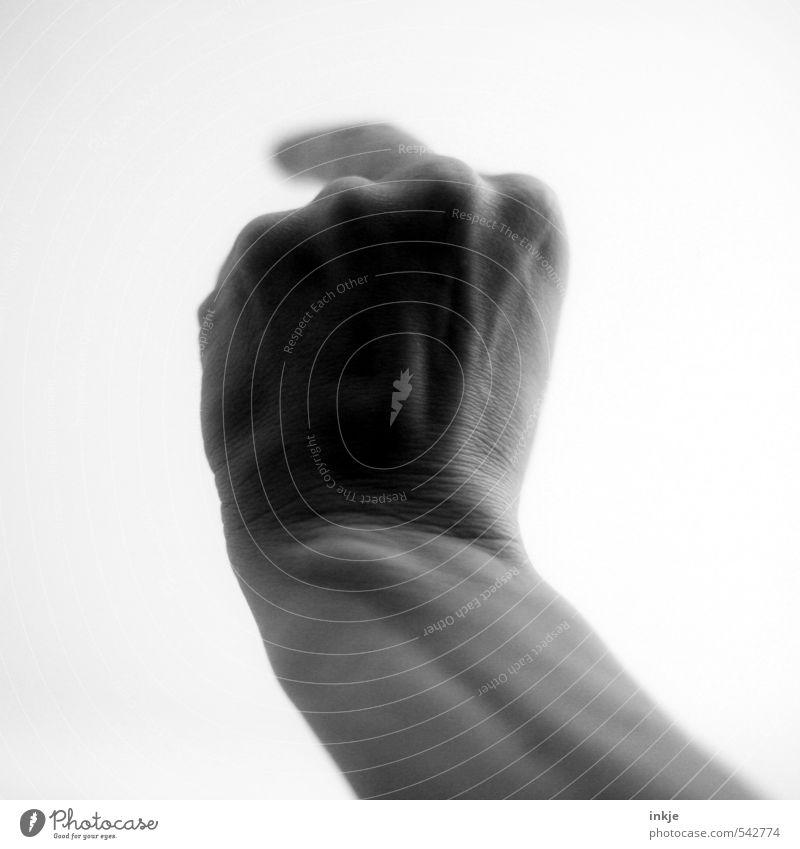 steinbrückmoves Lifestyle Erwachsene Leben Hand Finger Mittelfinger 1 Mensch Kommunizieren machen Aggression Gefühle Stimmung dumm Verachtung Wut Ärger gereizt