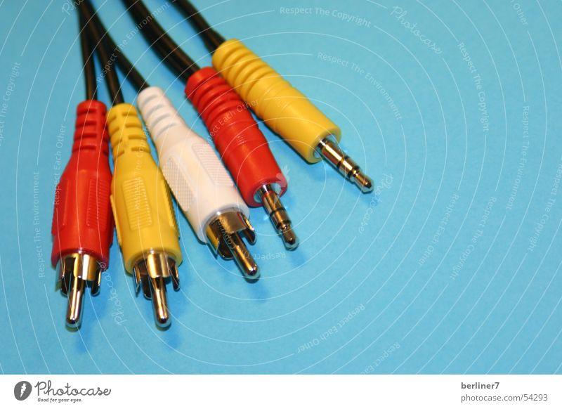 rot ist blau und plus ist minus? oder? weiß blau rot gelb Farbe Technik & Technologie Kabel Radio Video Stecker stereo Heimkino