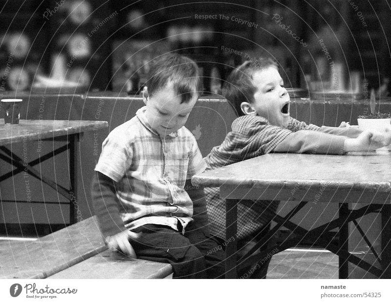 waiting... Kind warten Familie & Verwandtschaft Bruder Geschwister gähnen