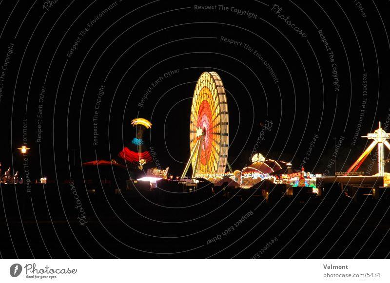 herbstmesse freiburg I Nacht Licht Kirmess Freiburg im Breisgau Farbe Jahrmarkt Karussell Lichtspiel Abend Geschwindigkeit Freizeit & Hobby