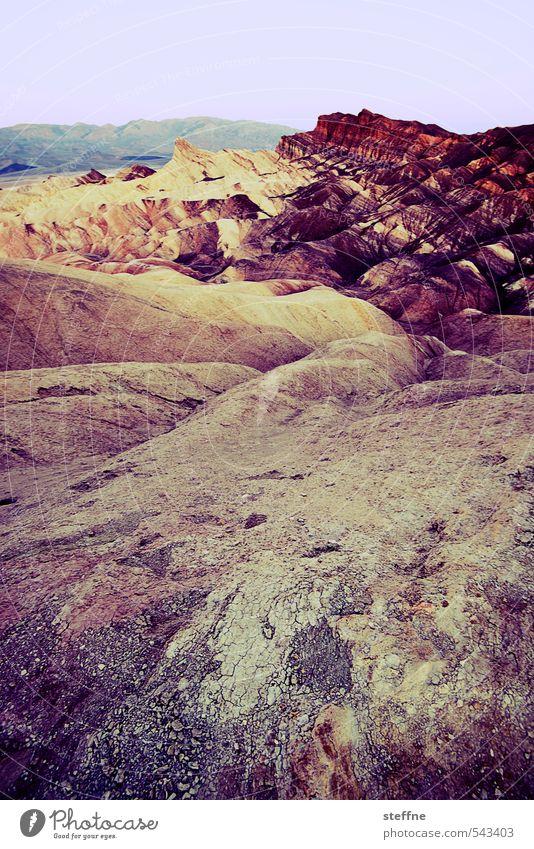 Zabriskie Point | Death Valley Umwelt Natur Landschaft Wolkenloser Himmel Schönes Wetter Felsen Schlucht Death Valley National Park USA Kalifornien
