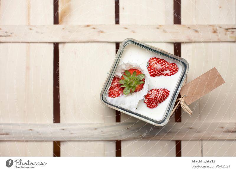 Erdbeere weiß Bewegung Gesunde Ernährung natürlich Gesundheit Gesundheitswesen Aktion Frucht Glas frisch süß Tropfen Erfrischung Bioprodukte Dynamik