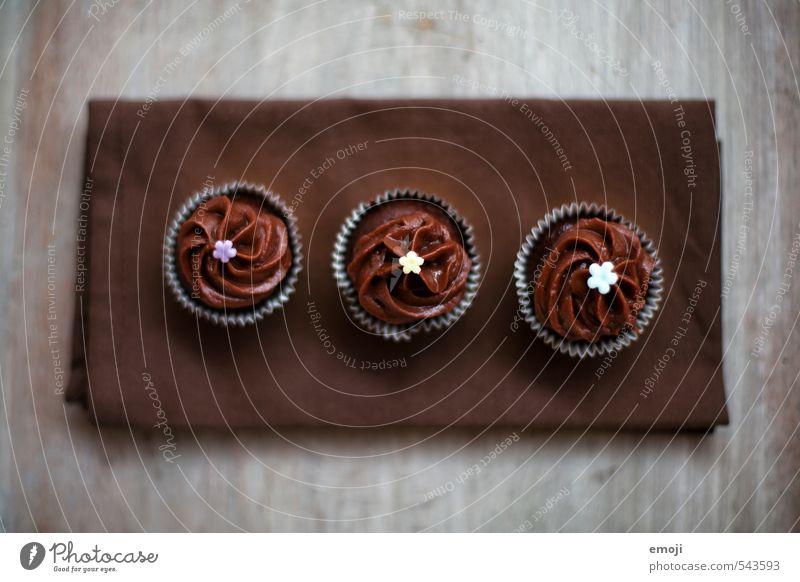 cup-cup-cupcake Kuchen Dessert Süßwaren Schokolade Ernährung Fingerfood lecker süß braun Cupcake aufgereiht 3 Farbfoto Gedeckte Farben Innenaufnahme Nahaufnahme
