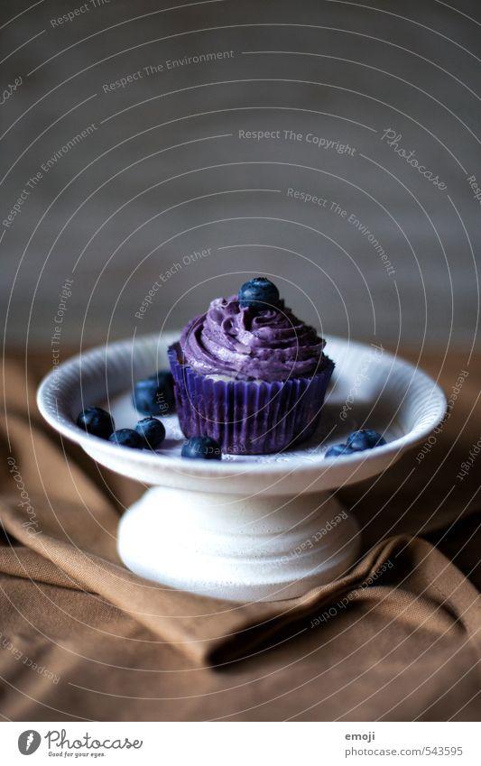"""""""gesund"""" Frucht Kuchen Dessert Süßwaren Ernährung Picknick Fingerfood lecker süß violett Blaubeeren Cupcake Kalorienreich Farbfoto Innenaufnahme Menschenleer"""