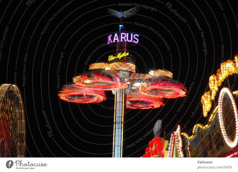 herbstmesse freiburg II Farbe Geschwindigkeit Freizeit & Hobby Jahrmarkt Lichtspiel Karussell Lichterkette Freiburg im Breisgau Nacht