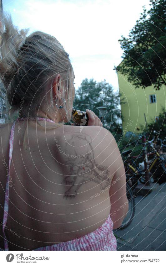 sommerkatze Katze Frau Sommer Wärme Haare & Frisuren Luft lustig Kunst hell Körper blond rosa warten Physik Bar Gastronomie