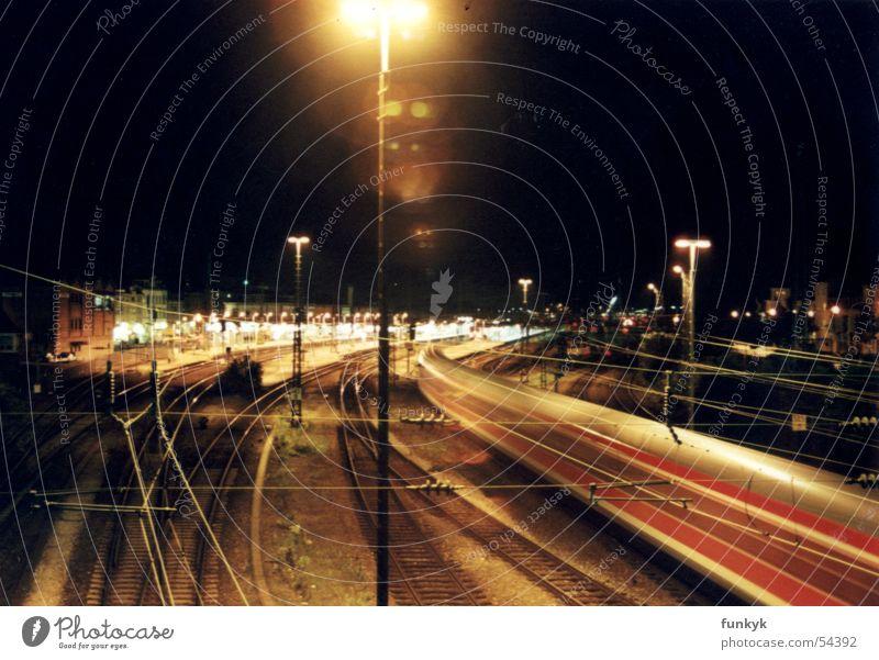 yard Eisenbahn Geschwindigkeit Licht Nacht dunkel train Bahnhof offenburg Stadt wuschhhh langzeitbelichtung......