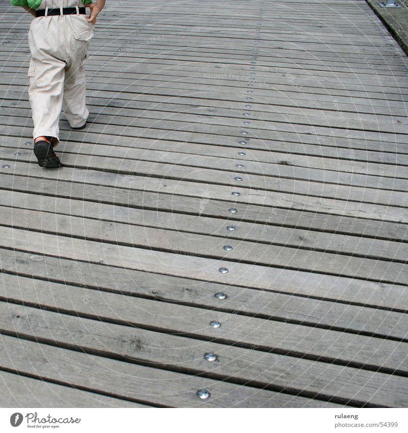 Unterwegs 1 Kind gehen laufen Hose Quadrat Steg Schraube Gürtel
