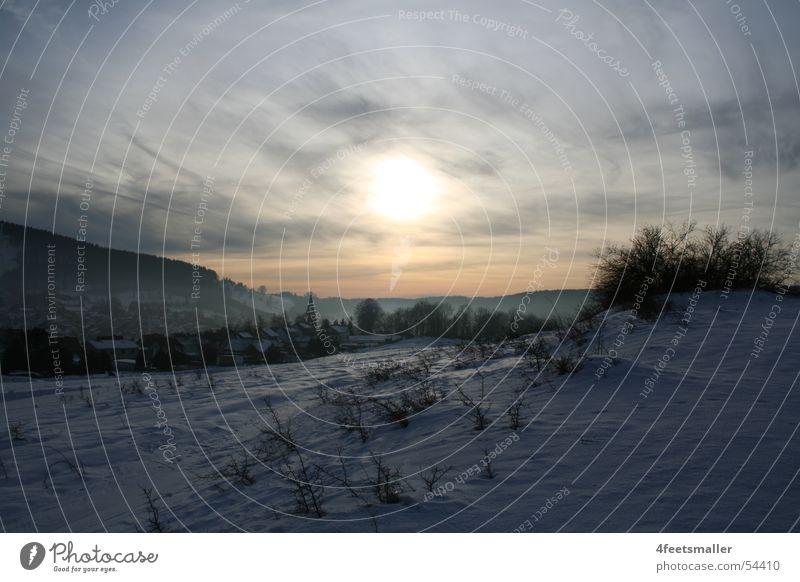 Land Of Confusion Himmel Sonne Winter Wolken Wald Schnee Berge u. Gebirge hell Beleuchtung Horizont Sträucher Hügel Februar Thüringen