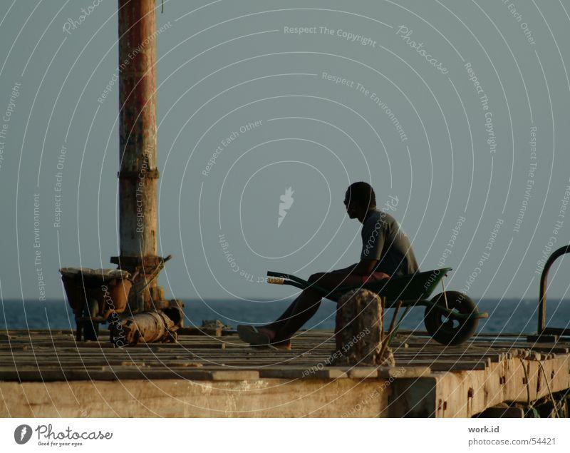 Far away Himmel Meer Ferien & Urlaub & Reisen schwarz dunkel Holz Stimmung Segeln Afrika Steg Cabo Verde