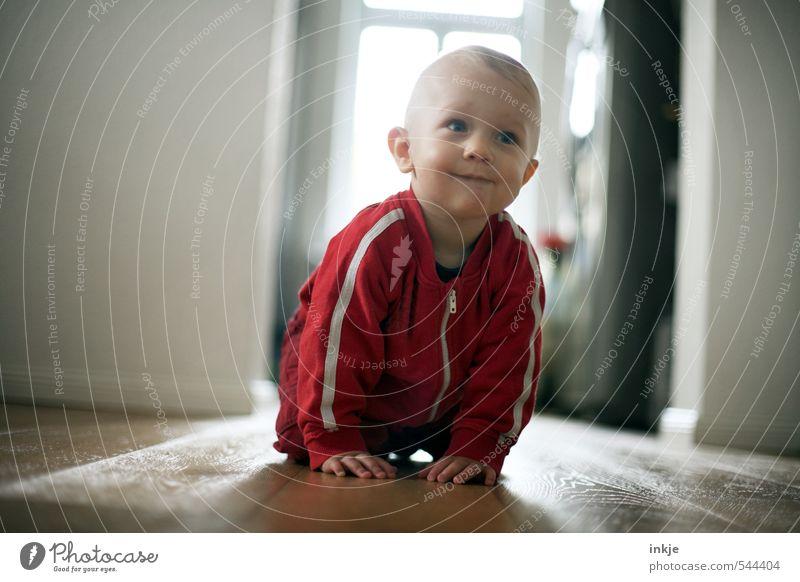 Frühaufsteher (von 0 auf 100) Lifestyle Freizeit & Hobby Spielen Häusliches Leben Wohnung Raum Wohnzimmer Küche Kind Baby Junge Kindheit Körper Gesicht Mensch