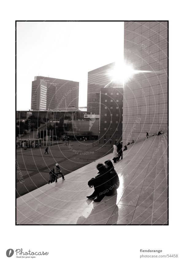 life is shining through Mensch Sonne ruhig Hochhaus Treppe Paris La Grande Arche