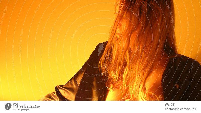 Yellowstone Nationalpark Frau Unterwäsche schwarz gelb BH Erotik blond Porträt Bluse Mantel Dame Haare & Frisuren Frauenbrust halbakt