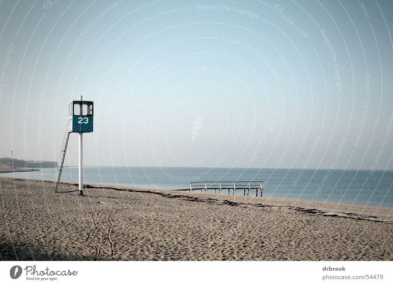 Winterpause Himmel Wasser Ferien & Urlaub & Reisen Meer Winter Strand Einsamkeit kalt Sand Küste leer Turm Nordsee Ostsee Strommast Kies