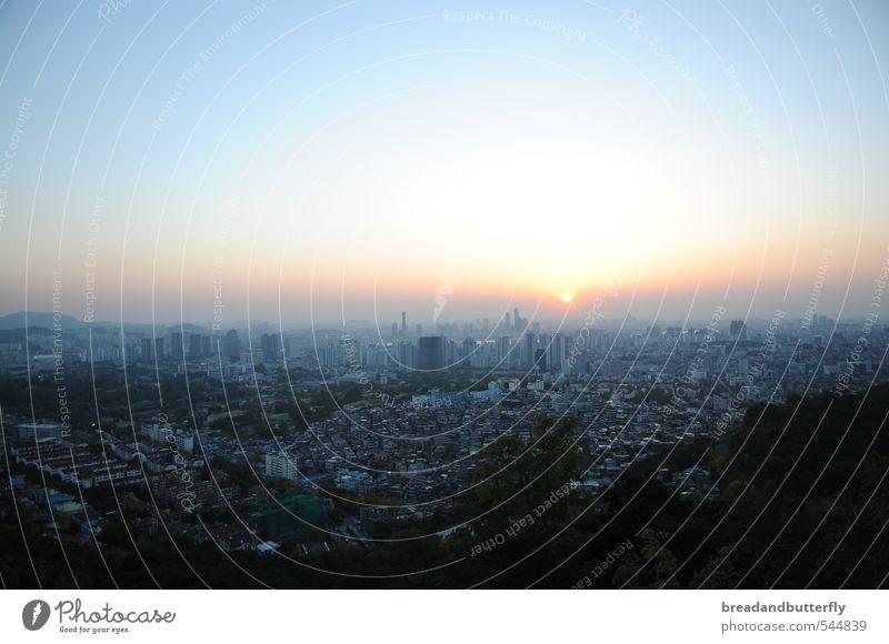 sleepless in seoul Ferne Horizont Seoul Süd Korea Asien Stadt Hauptstadt Haus Farbfoto Außenaufnahme Dämmerung Sonnenaufgang Sonnenuntergang Panorama (Aussicht)