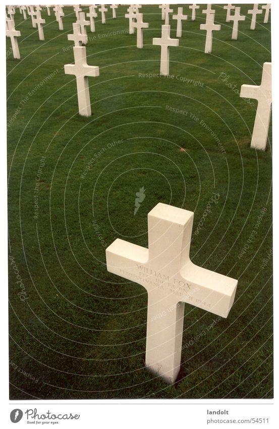 Englischer Friedhof Grab Wiese Grabstein Tod