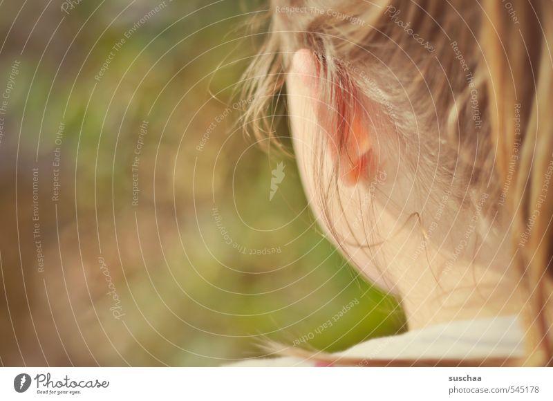 sie hat es ... Kind Mädchen Junge Frau Jugendliche Kindheit Leben Haut Kopf Haare & Frisuren Ohr 1 Mensch 8-13 Jahre Sommer Schönes Wetter natürlich feminin