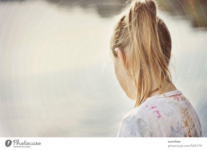 tag am see feminin Mädchen Junge Frau Jugendliche Kindheit Leben Körper Haut Kopf Haare & Frisuren 1 Mensch 8-13 Jahre 13-18 Jahre Wasser Sommer Herbst