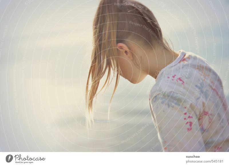bad im sonnenlicht Mensch Kind Jugendliche Wasser Sommer Junge Frau Mädchen Umwelt Leben feminin Herbst Haare & Frisuren See Kopf hell Körper