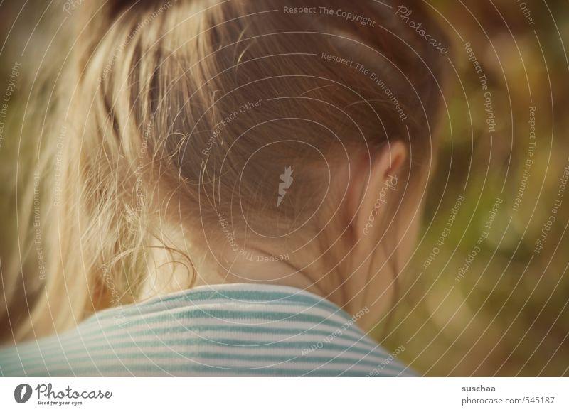 hinter(m) kopf Mensch Kind Jugendliche Sommer Junge Frau Mädchen feminin Herbst Frühling Haare & Frisuren Kopf Körper Haut Kindheit Schönes Wetter Ohr