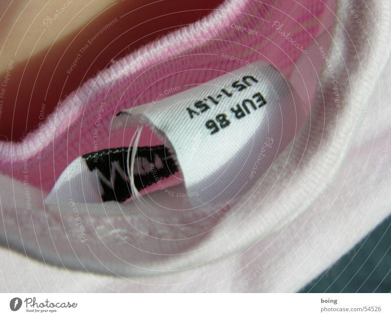 EUR : US rosa Schilder & Markierungen Design Europa Hinweisschild Bekleidung T-Shirt Stoff USA Konflikt & Streit Amerika Hals Pullover Etikett Textilien hinten